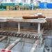 DSC 4558 A subway előtt van egy luk