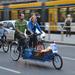 A bringakonyhások szállítójárműve.